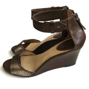 Frye Women's Brown Leather Wedges Carolback Zip